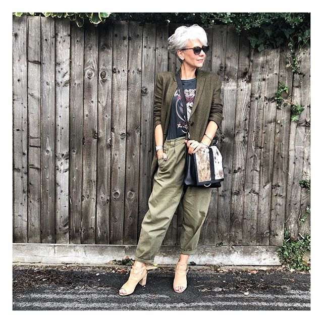 Blending into the background...... . . Six hours in the car today. 😩 . Bag gifted @haogi_  Trousers current @topshop  Tee current @newlook  Sandals @mintvelvet  Jacket @zara . . . #bag #haogi #mystyle #thesilverkat #simplebutstylish #feelingsummery  #stylishwomen #lookbook #astyleinjournal #relaxelegance #wowstyle #chicstyle #effortlessstyle #fashionhunters