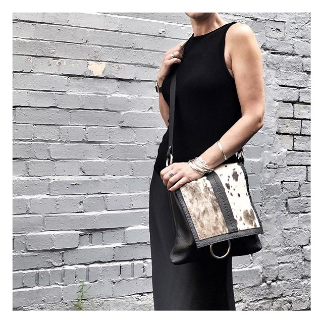 Exciting news!! There is an offer for 10% off of any bag at @haogi_ using the code 10TSKAT from now until 31st August. The leather on these gorgeous bags is amazing soooo soft and smells gorgeous. There are some fantastic pieces on the Haogi website, if you go to my story and swipe up you can see them in all their glory. You definitely will not be disappointed with your purchase, an investment piece which will last for years. They will adjust the shoulder strap to suit your requirements too. . . . . #leatherbag #investmentbags #accessories #softleather #baglovers #haogi #haogibags #loveagoodbag #lovesoftleather #thesilverkat  #gotomystory #discountcode