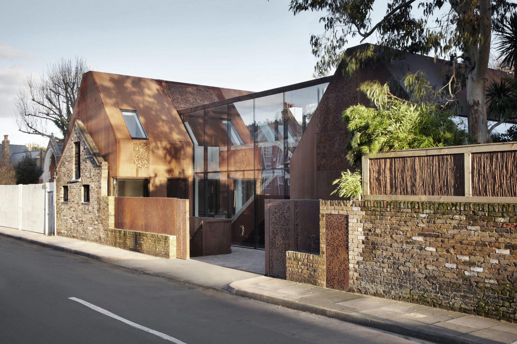 Piercy&Company_Kew-House_Photography Jack Hobhouse_Street Elevation.jpg