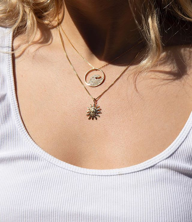 Summery charms to counteract the wind today 🌊🌞🌬 Cz wave pendant and sun charm in gold vermeil ✨