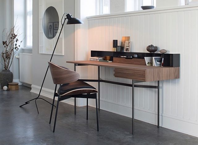 Another gorgeous piece from @moremoebel and the #harri collection 📝  #writingdesk #design #style #germandesign #luxurylifestyle #luxuryliving #german #tablescape #bespoke