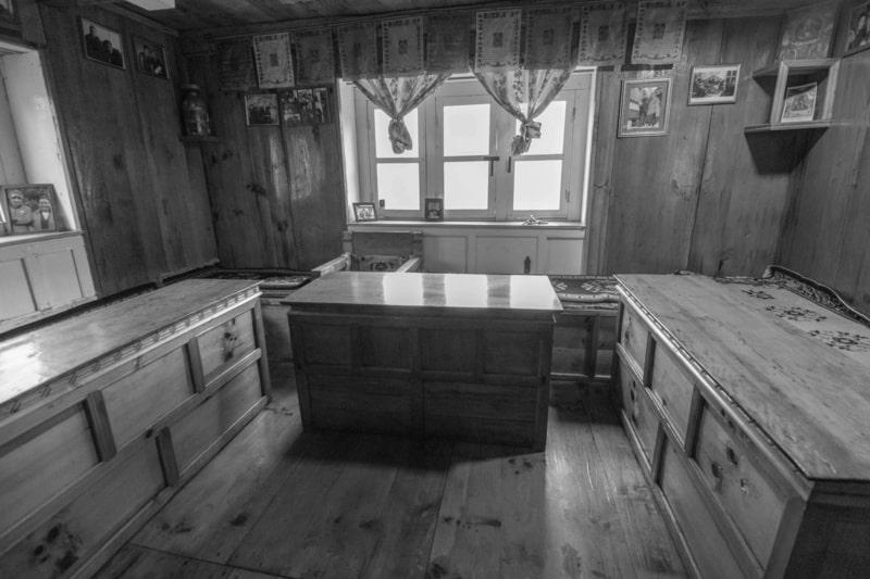 inside tea house1.jpg