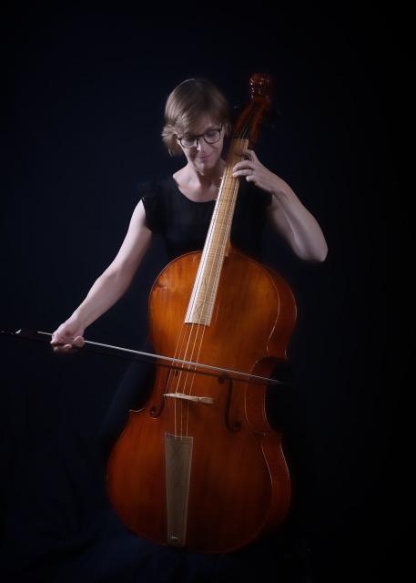 Julie Elhard – Viola de Gamba
