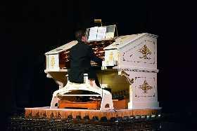 Mighty Morton Organ.jpg