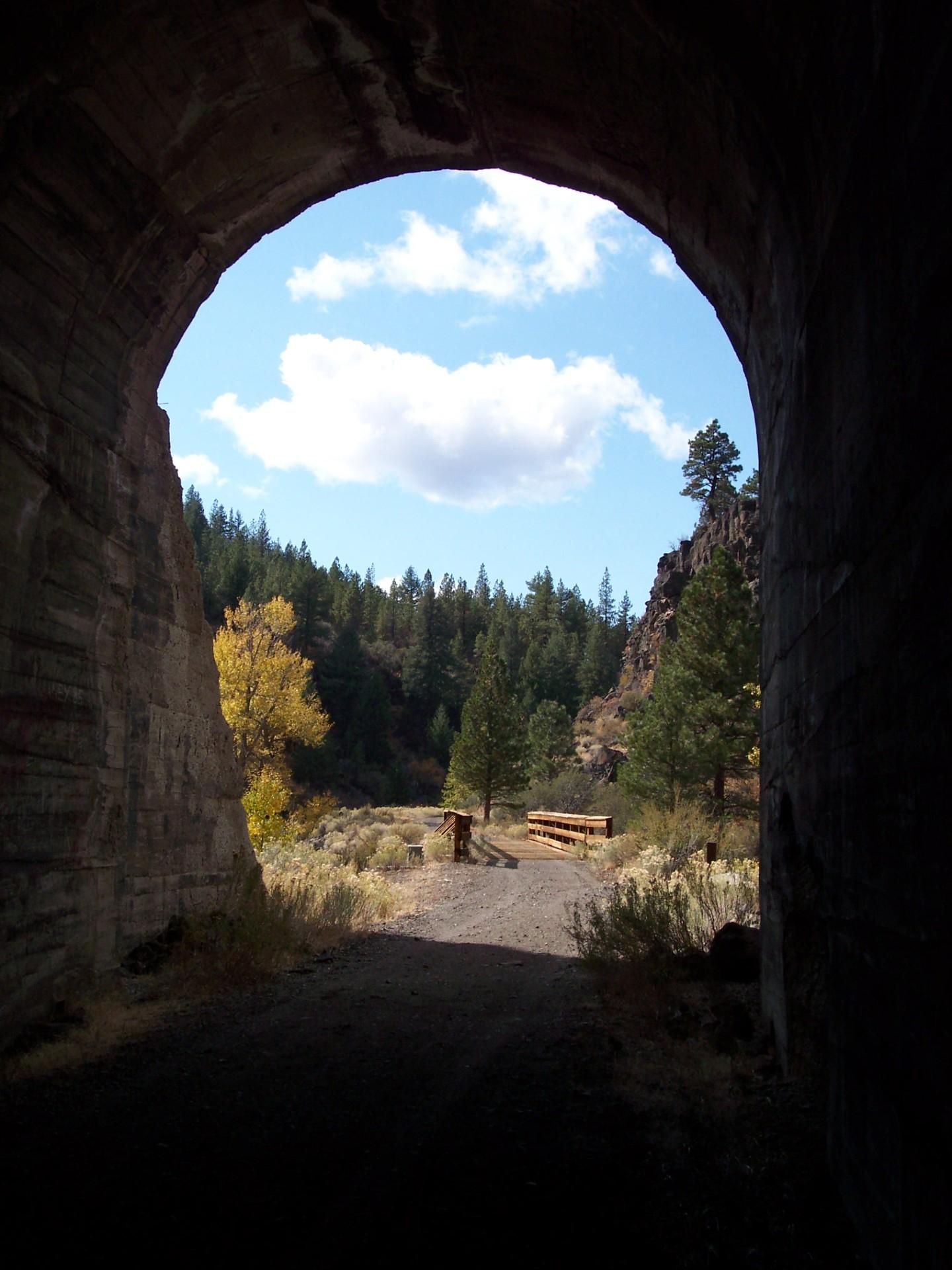 Bizz Tunnel #3 Courtesy Stan Bales.jpg