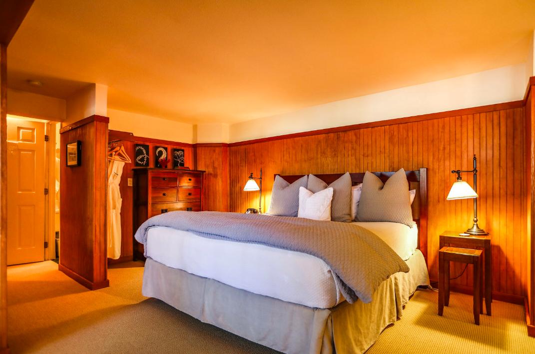 Room 6, The Inn at Arch Cape