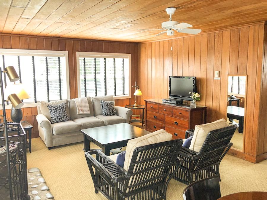 Room 5, Living Area