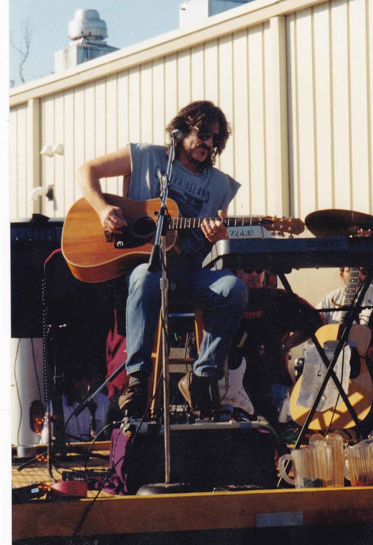 JHD solo 2002.jpg