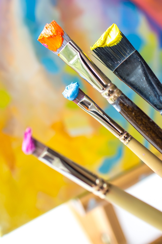 "Refine your skill or learn from scratch - either way you will paint bolder, more colorful paintings. - Whether you are a beginner or advanced painter, PaintEasier: Seattle is for you! This in-depth online course offers ""The Basics"" — videos on studio setup plus ""The 5-steps"" — Maria's step-by-step process for creating a fail-proof painting. Add to that, start-to-finish demos, beautiful photo references, downloadable guides, and fun bonuses. you will have all of Maria's secrets for clean, correct, vibrant oil paintings!"