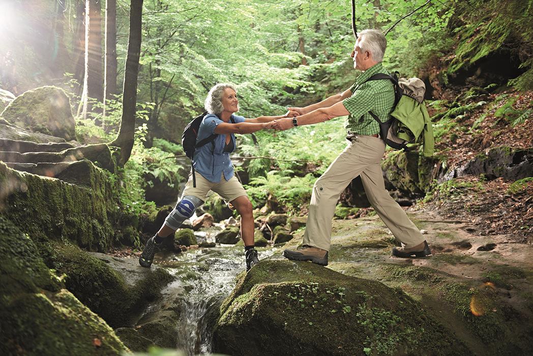 (Footcare) Senior Couple Genutrain S-small.jpg