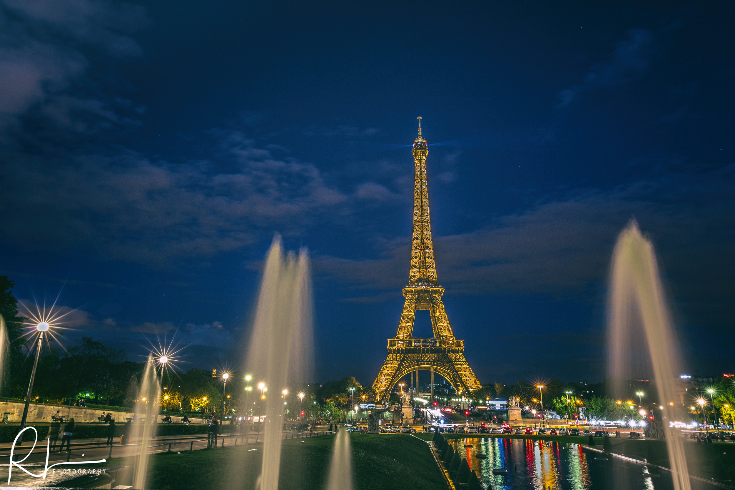 Eiffel Tower by the fountains