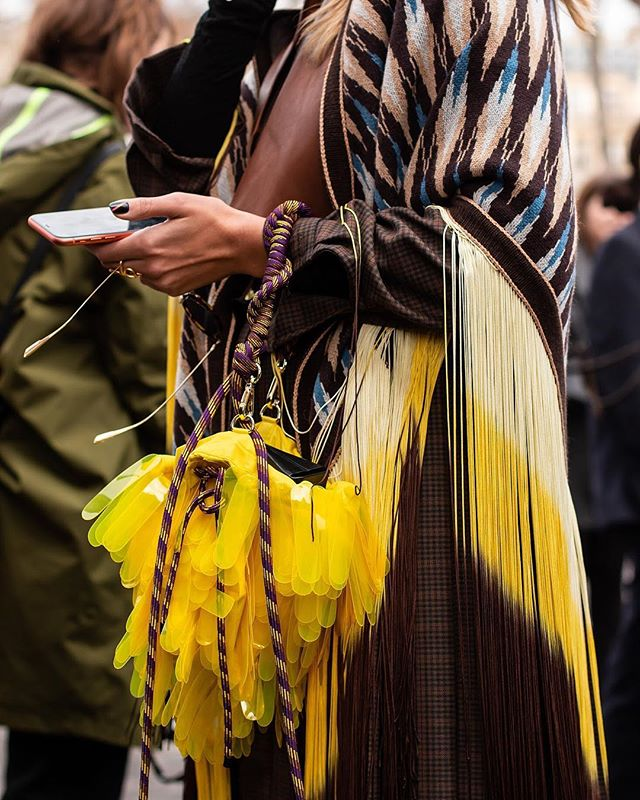 Outside of @sacaiofficial  PARIS FASHION WEEK F/W19  #caughtbyjustin