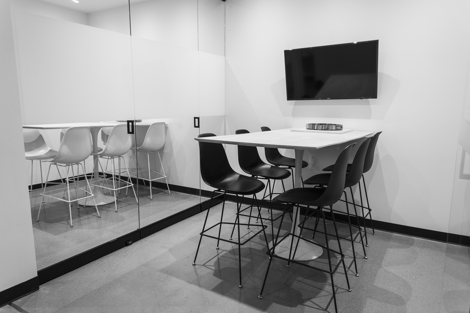 neu.works-conference-room-small-meeting-room-for-rent-4-bw.jpg