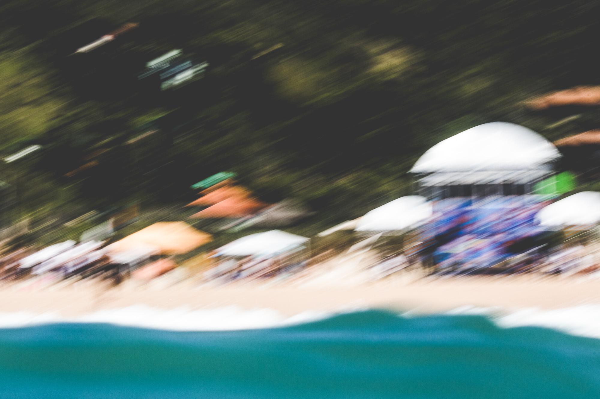 """""""O dia escolhido não poderia ter sido melhor.A praia lotou e a vibe era sentida de longe."""""""