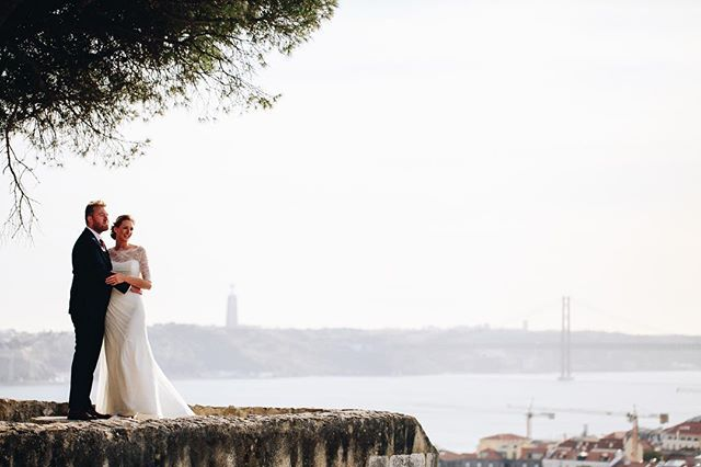 """It's like in that moment the whole universe existed just to bring us together"" ❤️ Lisboa, a menina e o moço  Venue: @castelo_de_s.jorge MUA: @soniapatraomakeup  #lisbonlovers #radweddings #destinationwedding #lightworker #agameoftones #lookslikefilm #loveandwildhearts #portugaldestinationwedding #elopementcollective #casaremportugal #junebugweddibgs #belovedstories #yourockphotographers"