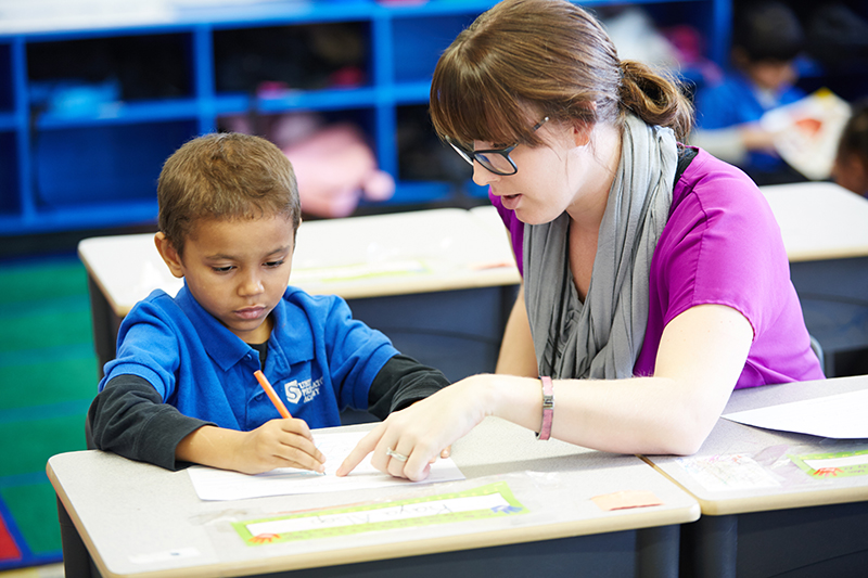 SPI-Photo-005_Student and teacher working 1 on 1_2014_lr.jpg