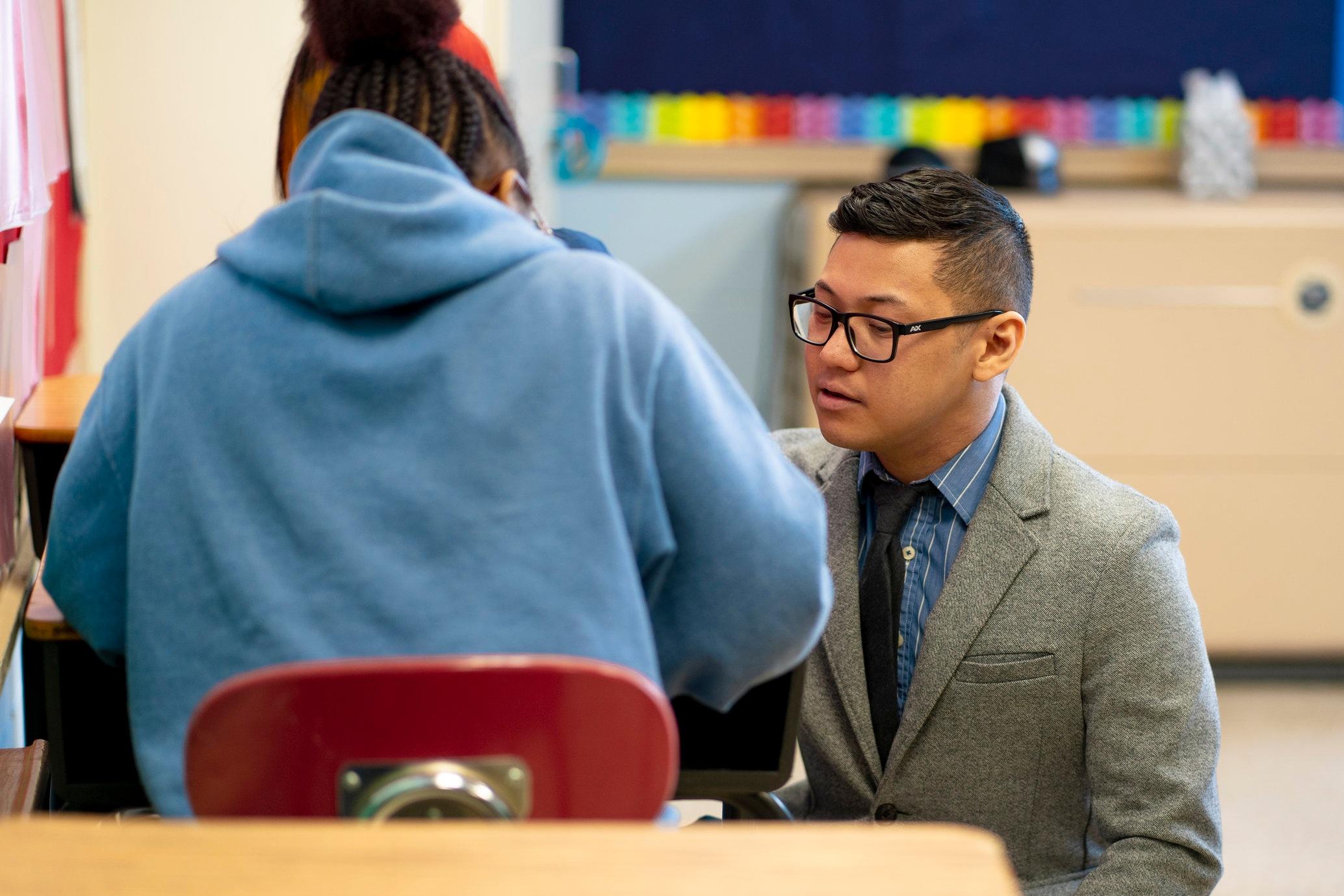Teacher+Student_Desk.jpg
