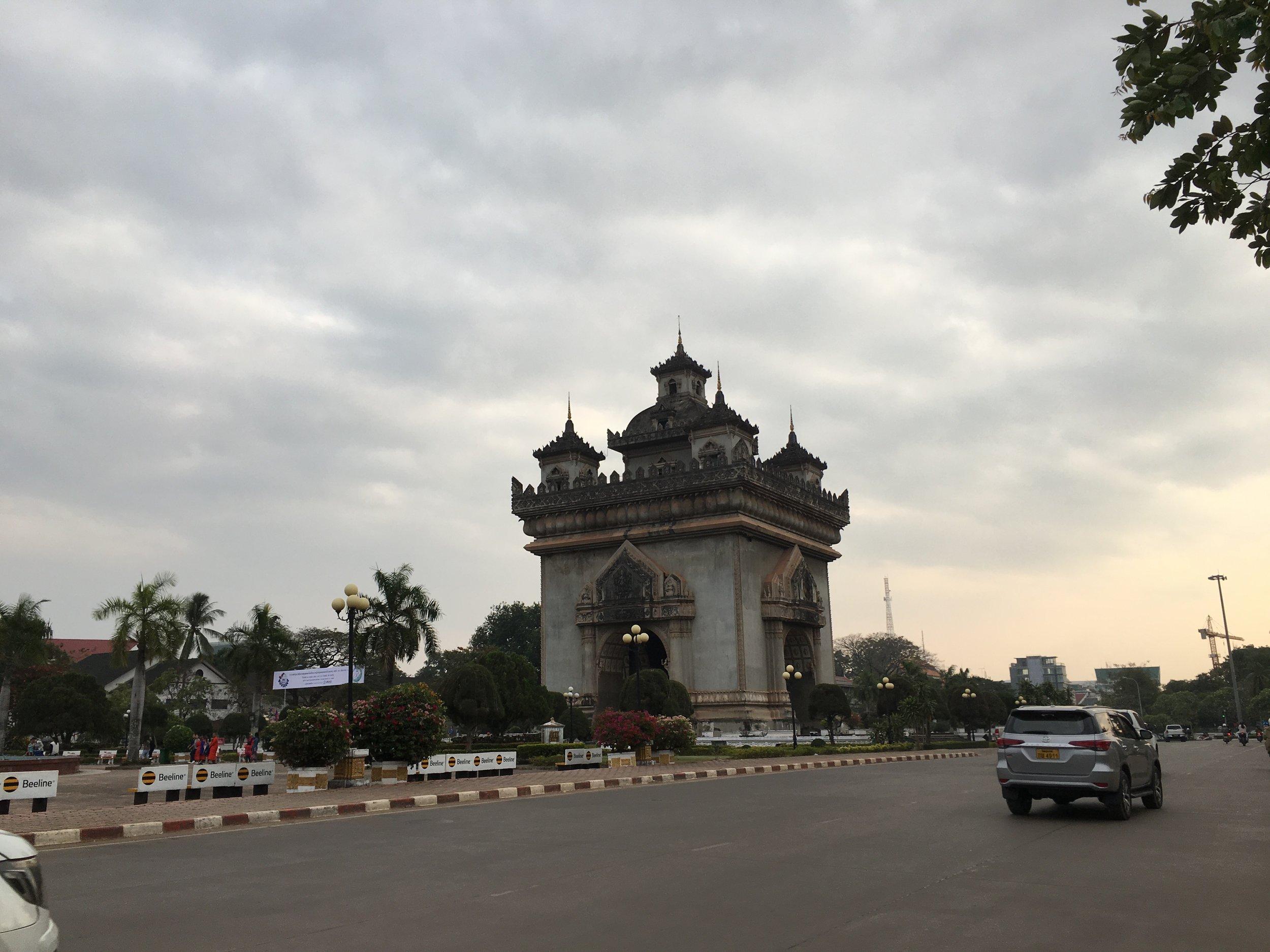 Patuxai, a memorial monument, in Vientiane, Laos |©Regina Beach