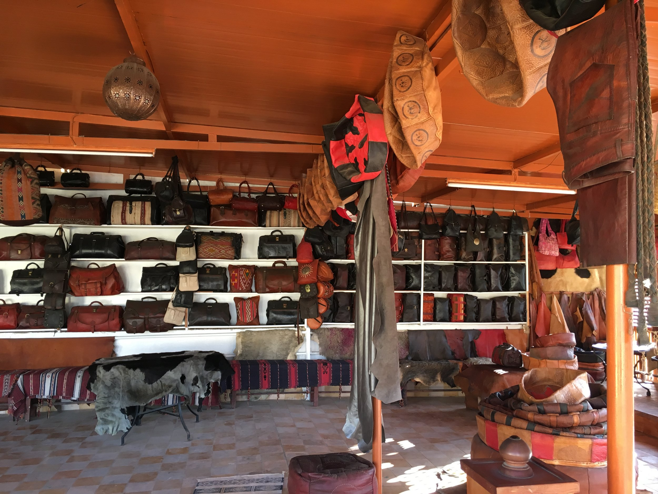 Dozens of shops sell handcrafted leather goods and each of the viewing balconies over the tanneries has its own boutique filled with purses, coats, shoes, wallets, and cushions.
