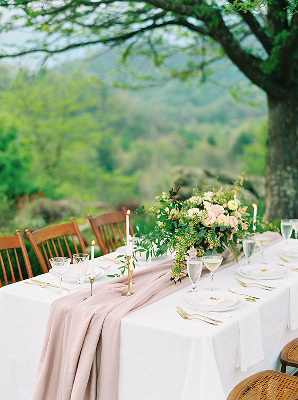 Photo by  Ashley Bosnick Photography  / Floral by Floral:  Flora Asheville  via Wedding Sparrow