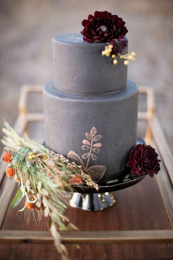 gray cake via    Deer Pearl Flowers