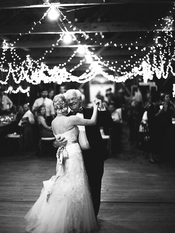 photo by  Jeremiah And Rachel Photography  via  Style Me Pretty
