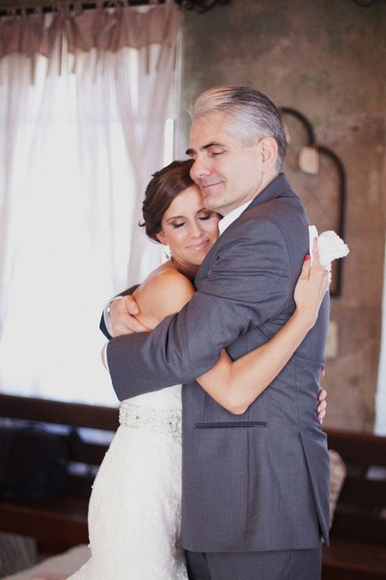 photo by  Christa Elyce Photography via  Bridal Musings