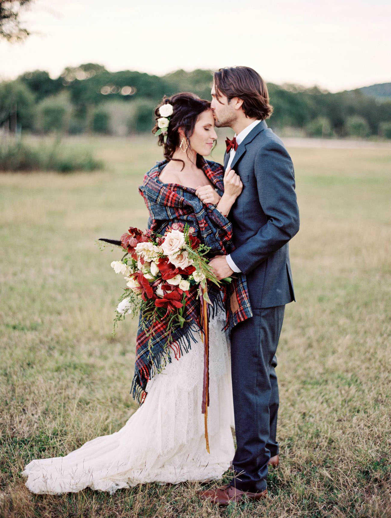 fall wedding flannel photos