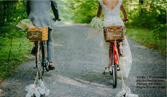 10 Photo Props for Gorgeous & One of a Kind Wedding Photos - signs by The Brown Hens- #weddings #weddingphotos #brideandgroom