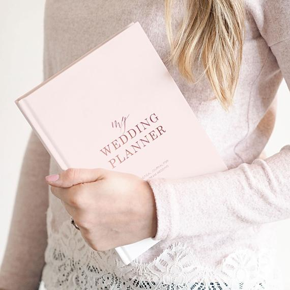 10 Wedding Planners to Keep Your Sanity - Planner by Blush and Gold Invites - #weddings #weddingplanning #weddingplanners