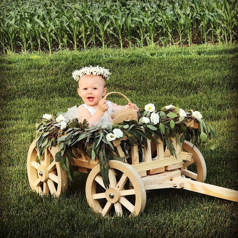 14 Gorgeous Ideas for an Outdoor Summer Wedding - Wagon by Miniwagons - #weddings #summerwedding #outdoorwedding #summer