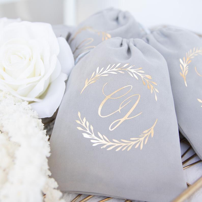 Velvet Wedding Details to Gush Over - Favor Bags by ThreeTwo1 - #wedding #weddingdetails #velvet