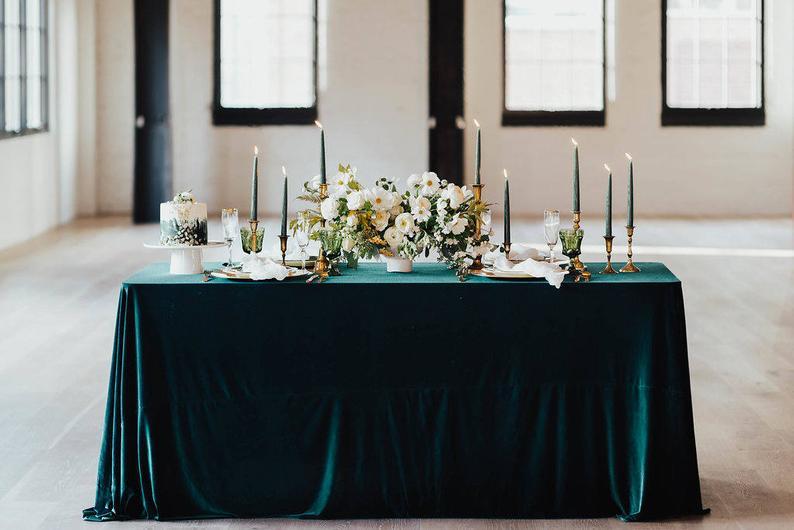 Velvet Wedding Details to Gush Over - Tablecloth by Lino and Co - #wedding #weddingdetails #velvet