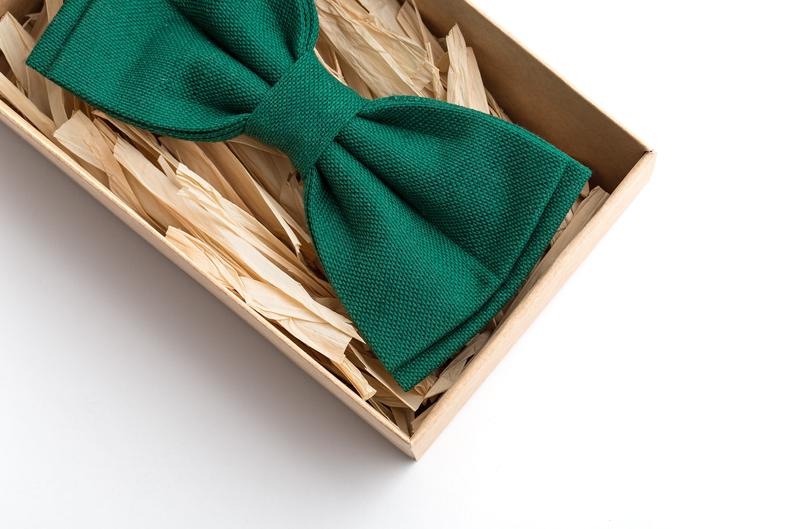 An Emerald & Gold Wedding - Bow Tie by Man Vis - #weddings #emeraldwedding #goldwedding
