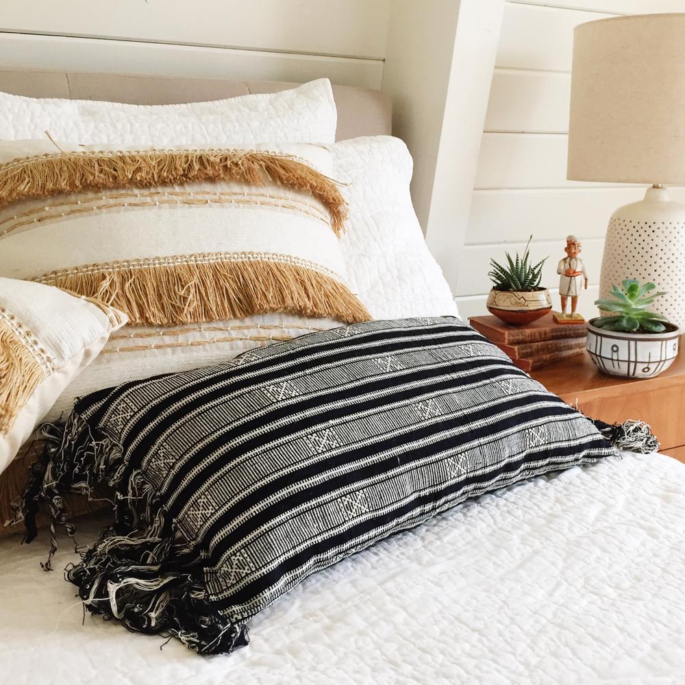 Reina Pillow :: Handa Textiles