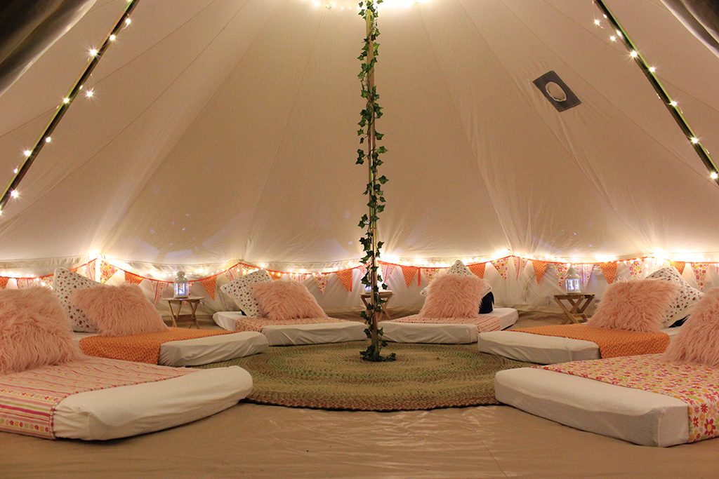 Spend Christmas together as a family with a wonderful Glamp Out experience.