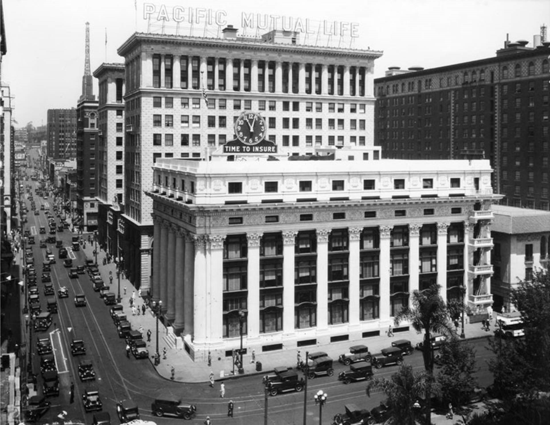 Howarth & Smith's offices are located in the historic PacMutual Building, originally known as the Pacific Mutual Building. Designed by architects John Parkinson and Edwin Bergstrom, the building first opened in 1908 and represents one of Los Angeles' finest examples of neoclassical architectural style.