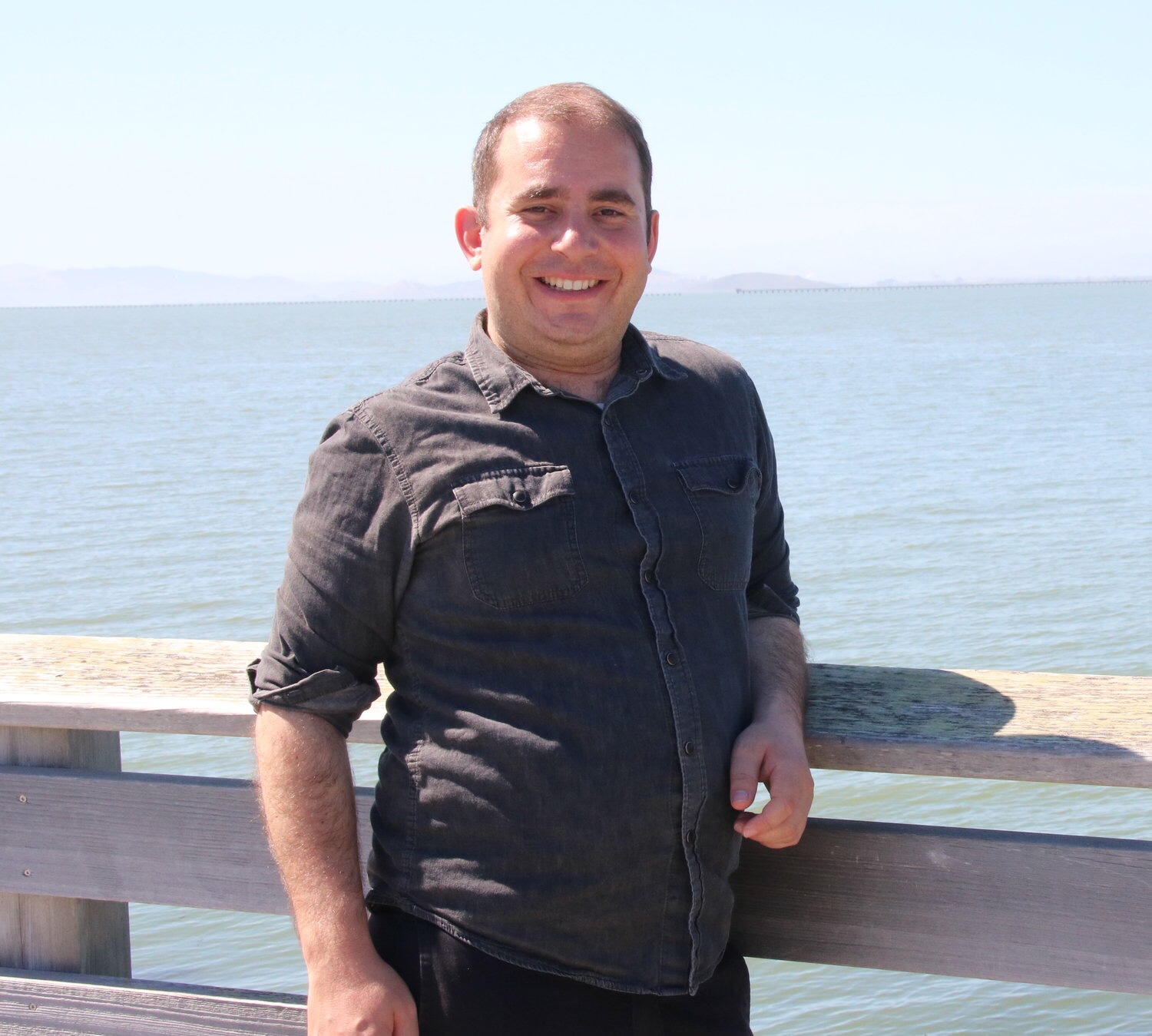 Eric Young, AMFT - East Bay Queer LGBTQ+ Psychotherapy for Transgender, Non-binary, Queer Individuals and CouplesMODALITIES-Emotionally focused therapy-Gestalt-Hakomi-LGBTQ+-Kink/BDSM -Couples-Mindfulness