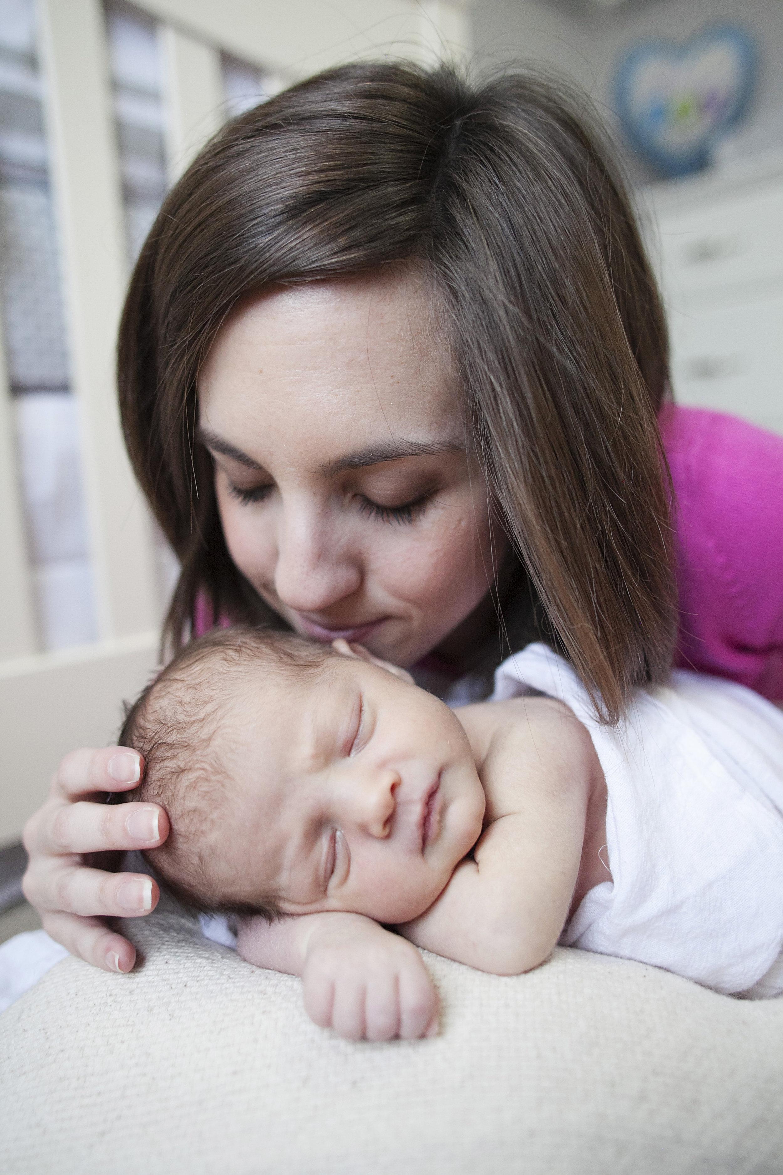 Jonathan-newborn0115.JPG