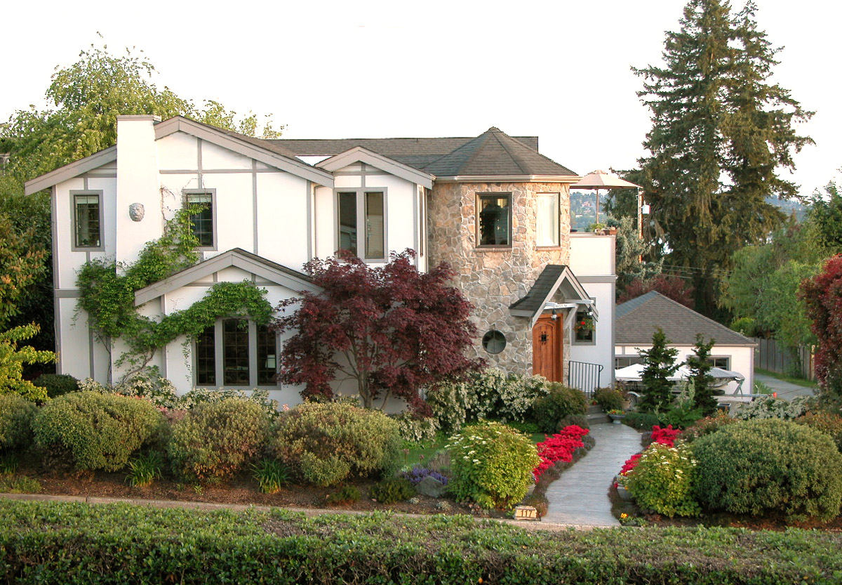 Sold-Kirkland, Tudor Home