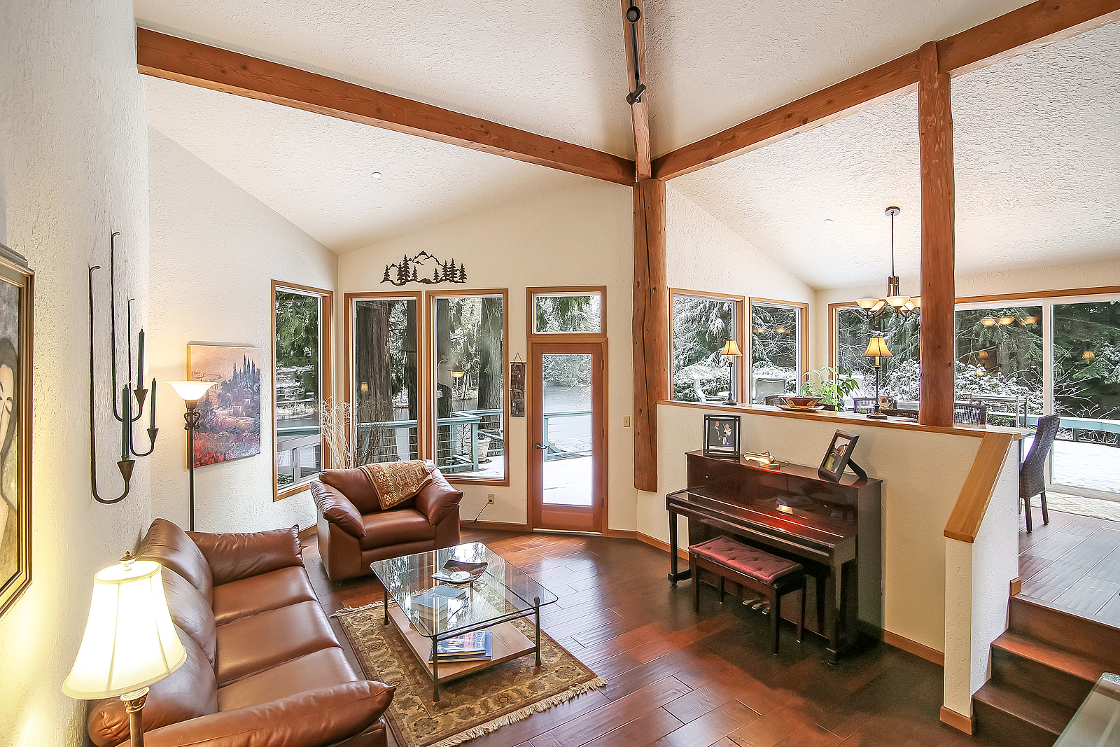 lake tuck_living room.jpg