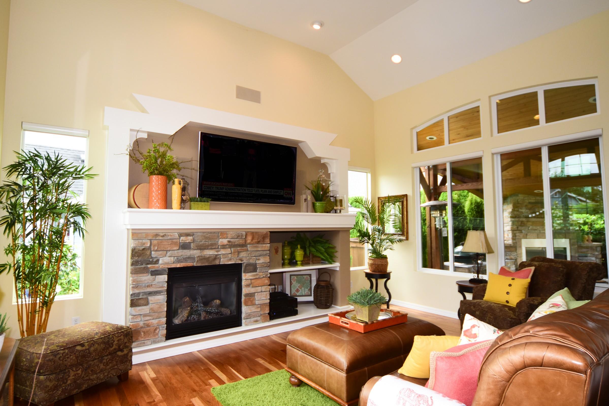 Redmond_Living room1.jpg