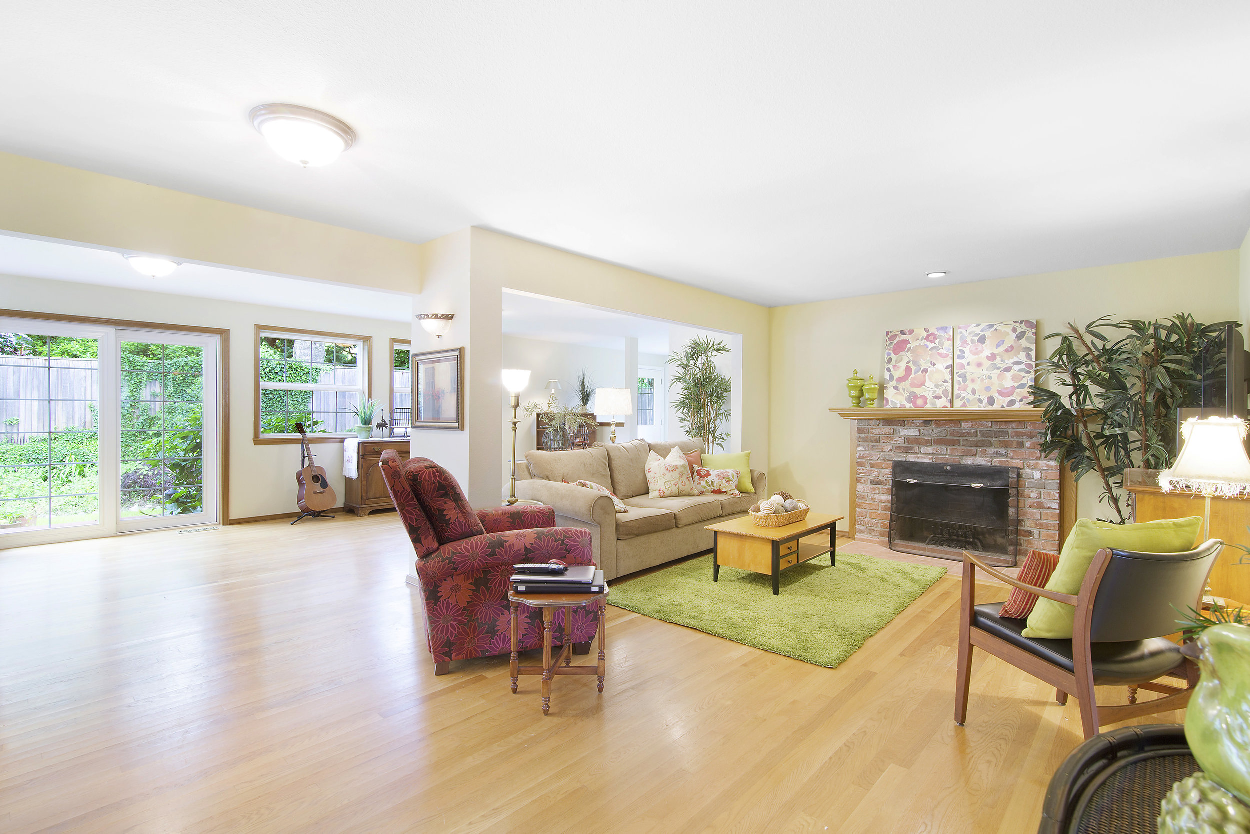 bothell_cul--de-sac_family room and addition.jpg