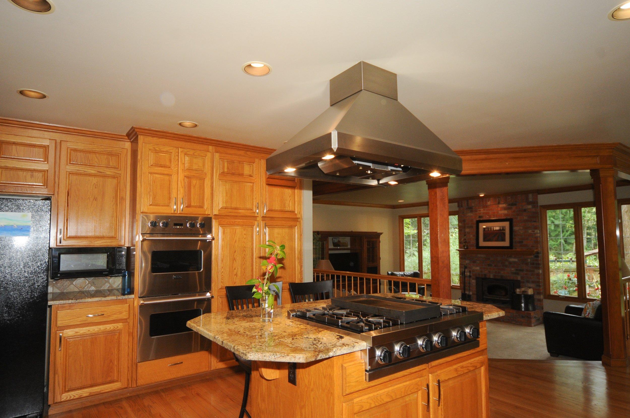 redmond_buchan_kitchen-family room.jpg