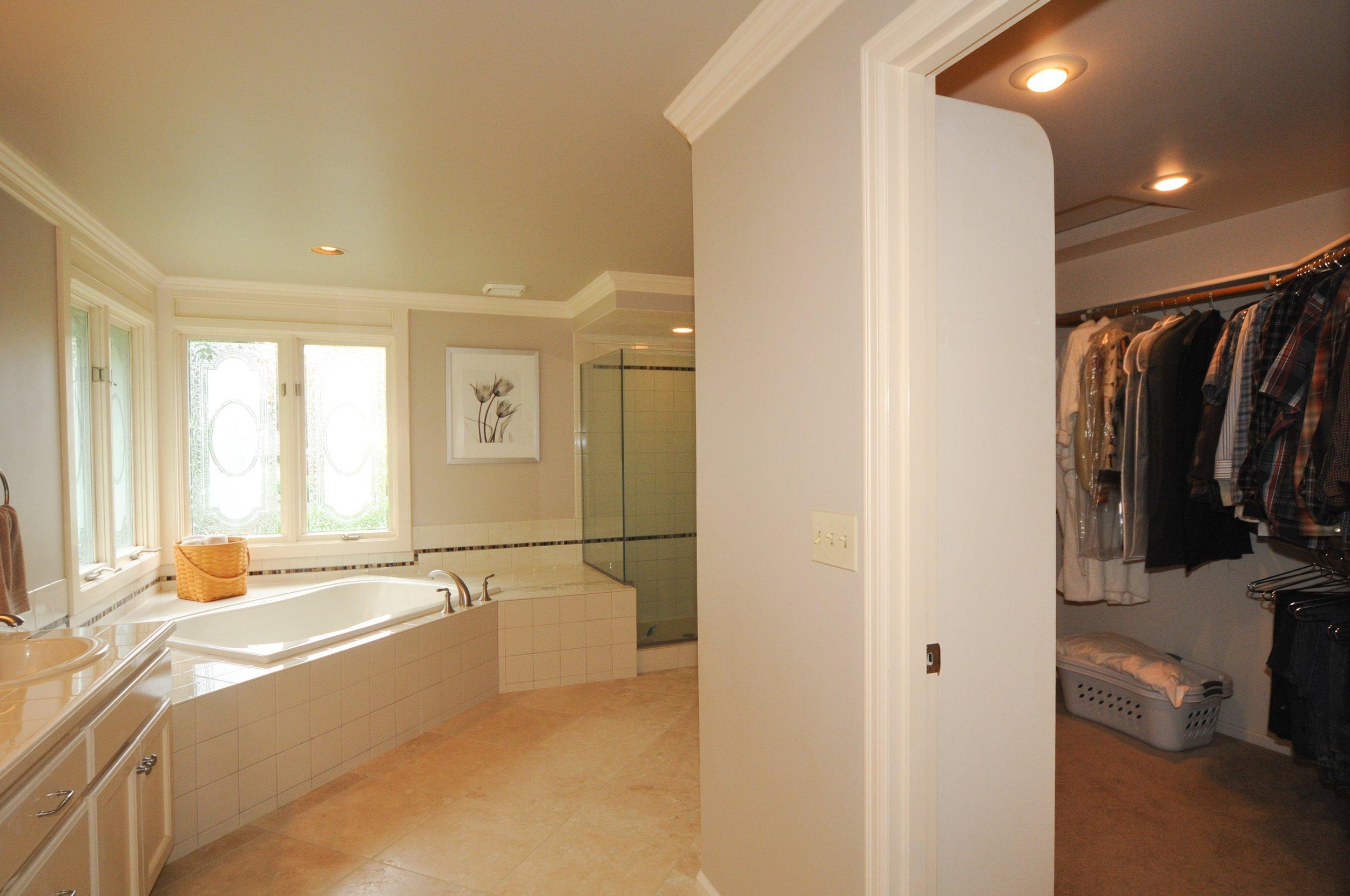 redmond_buchan_master bathroom and closet.jpg