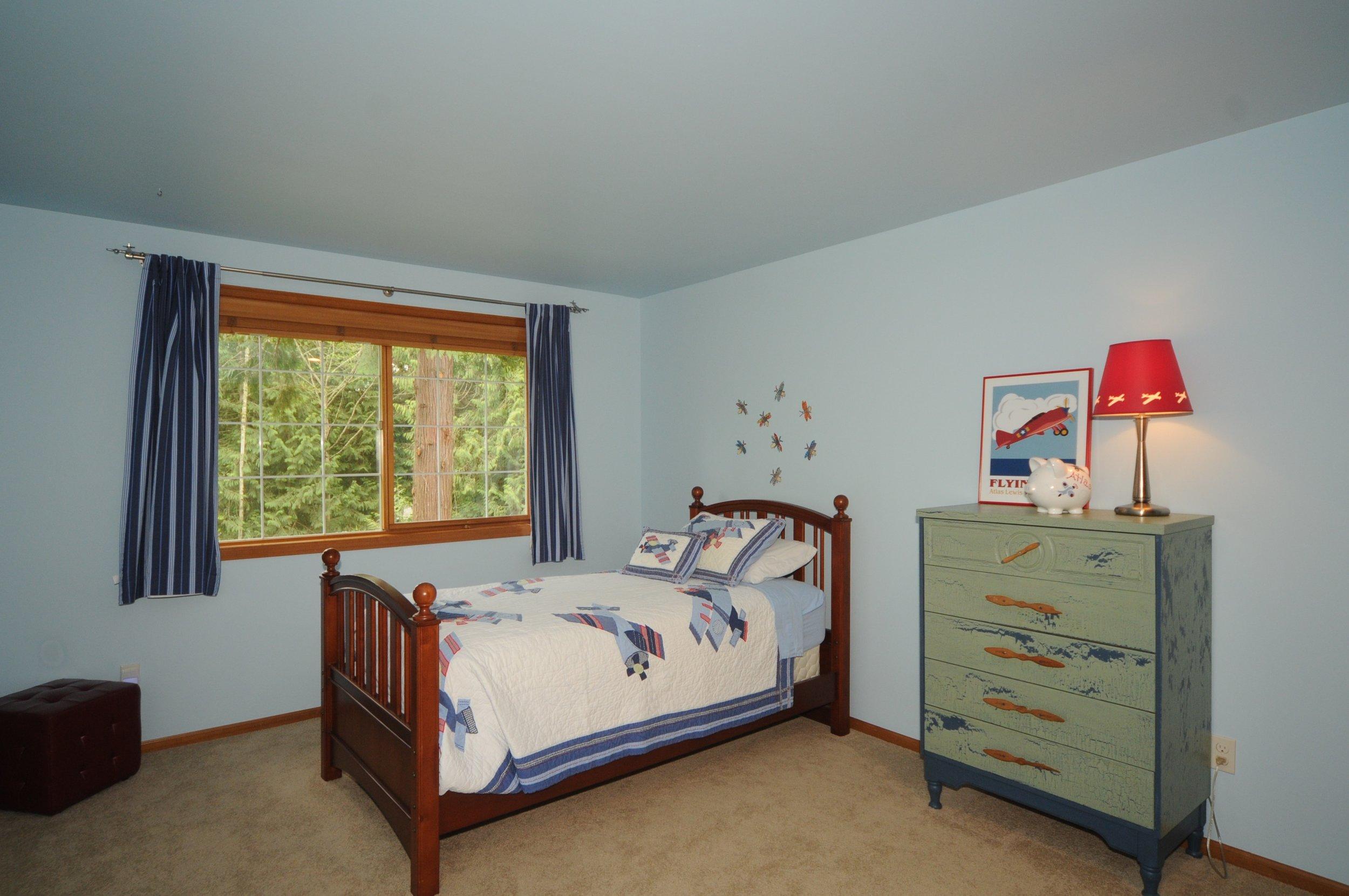 redmond_buchan_guest room1.jpg