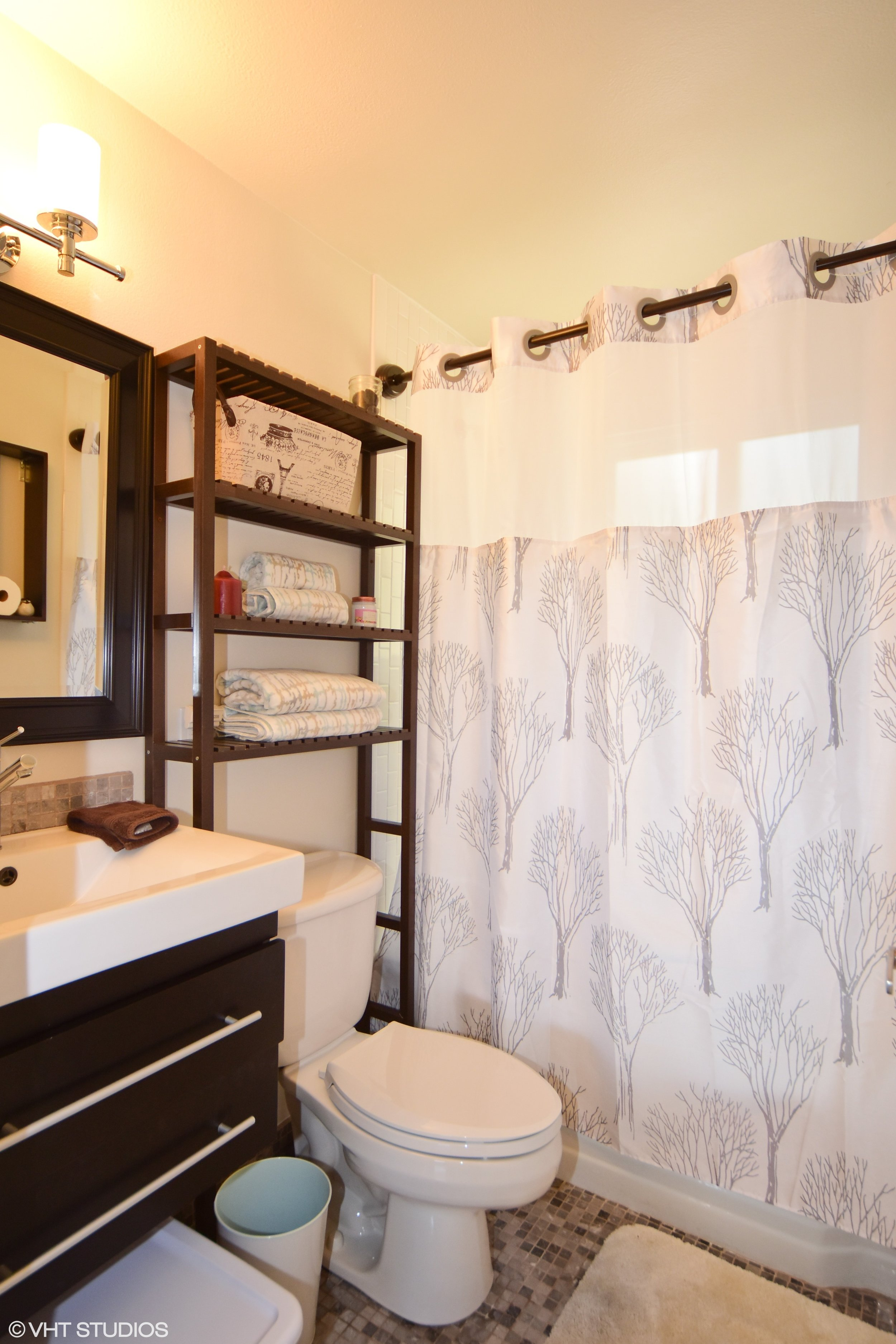 28_420126thAveW_8001_Bathroom_HiRes.jpg