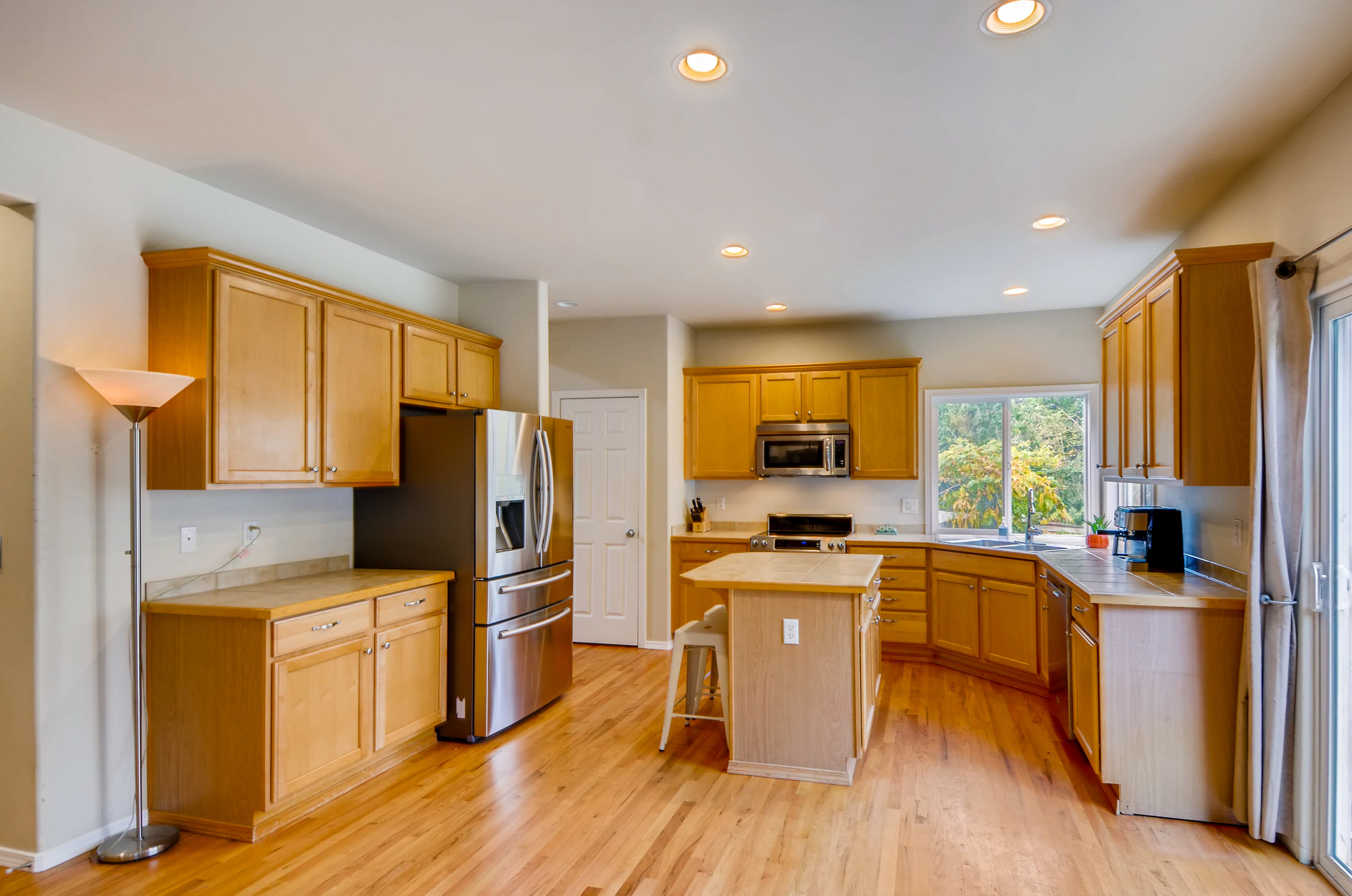 2524 248th Ter NE Redmond WA-print-009-14-Kitchen-3600x2386-300dpi.jpg