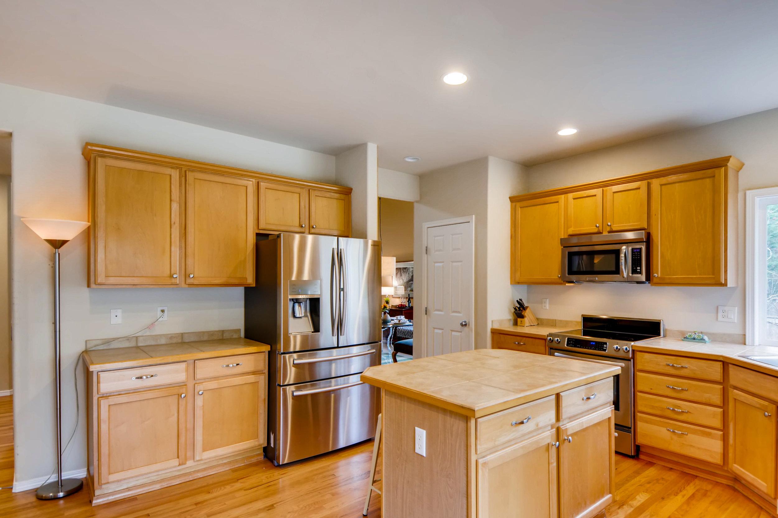 2524 248th Ter NE Redmond WA-print-012-2-Kitchen-3600x2398-300dpi.jpg
