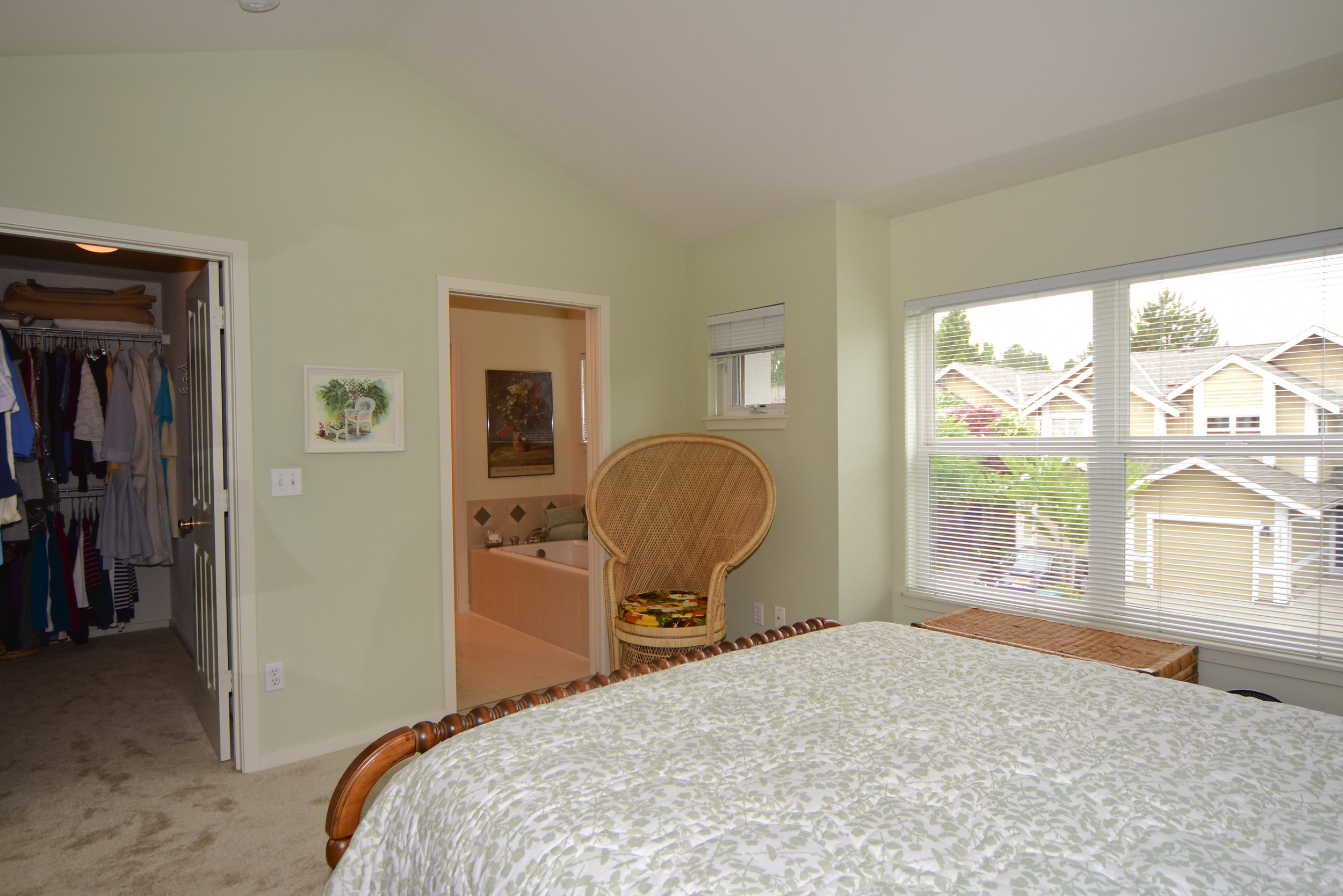 master bedroom - view walk in closet.jpg